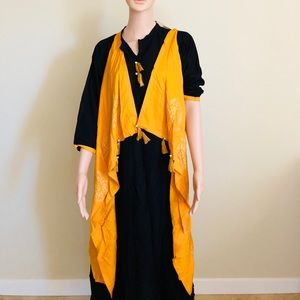 Tops - yellow sleeveless jacket with plain black kurti